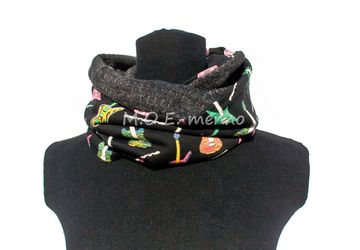 "A neckwarmer and a hat ""Guitar"""
