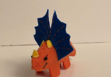 DIY Sewing kit // Beginner Sewing Project // Make your own Dinosaur // Easy Craft Project
