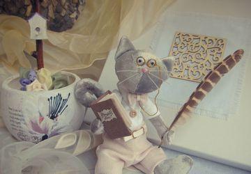 A toy cat Tilda