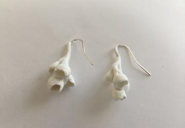 minimalist white bouquet polymer clay earrings n.006