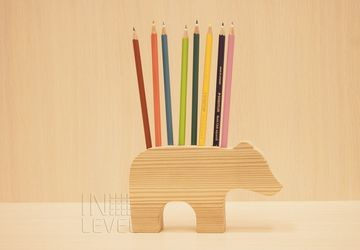 "A holder for stationery ""A bear"""