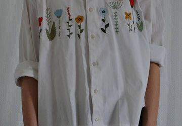 Cute flowers embroidered shirt