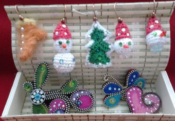 Earings, brooches