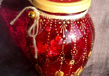 Decorative jar with a jingle