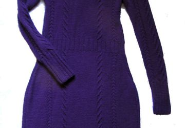 A knitted violet dress