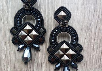Black earrings with studs, Long earrings, Biker earrings, Triangle earrings, Rockabilly, Pendant earrings, Italian jewellery