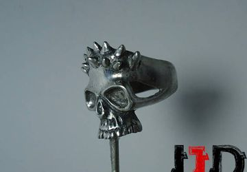 Sliver Horned Skull Ring - Skull Jewelry - Demon Ring - Vampire Ring - Dark Ring - Satanic Ring