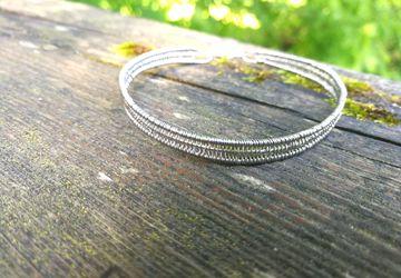 Unisex minimalistic stainless steel bracelet
