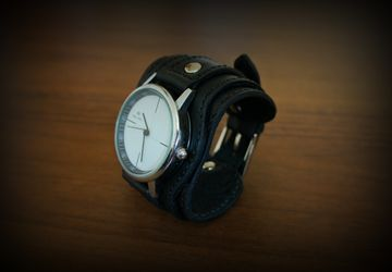 """Women's watch """"Classic"""""""