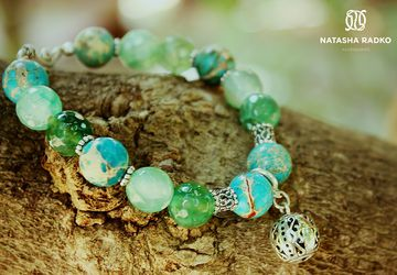 Wristlet with emerald agate and variscite