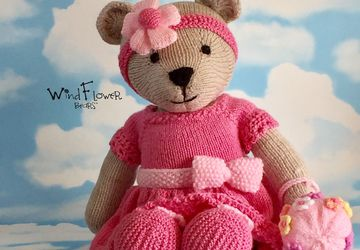 Hand knitted one of a kind teddy bear - Honesty.