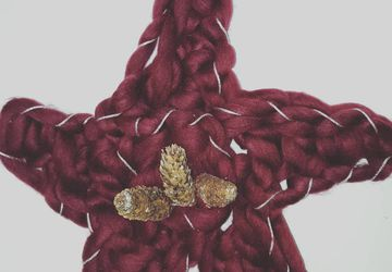 Handarm Knitted Christmas Star