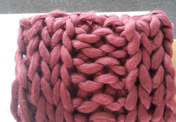 Hand arm knit Super chunky blanket