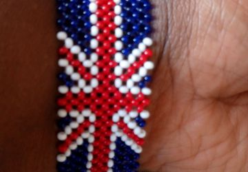 Beaded British flag bracelet made in Kenya by the Masaai/Maasai/masai community