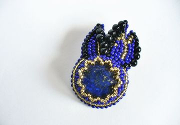 """A pin """"Shooting star"""" with lazuli"""