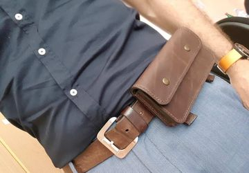 Leather mobile holder for belt