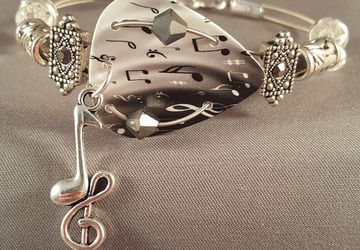 "Guitar pick and guitar string bracelet ""Grey Guitar"""