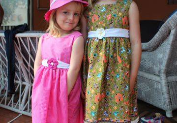 Green floral cotton print summer dress for girls and sun hat Age 4-5