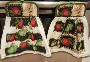 Hanging potholder towel sets