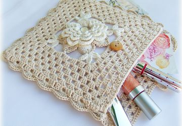 "A knitted cosmetic bag ""Vintage rose"""