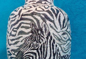 A zebra vase (decoupage)