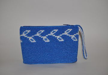 Knitted cosmetic clutch-bag