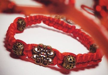 Mascot-bracelet from malefice and spoiling