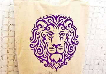 "A bag with a painting ""Lion"""