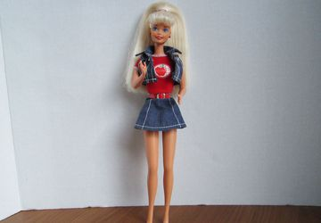 1976 barbie school girl