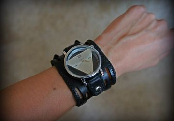 "Women's watch ""Triangle"""