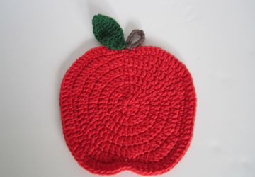 Handmade crochet apple place mat