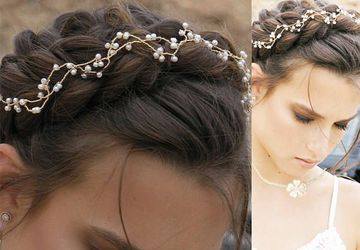 Pearl  hairpiece for brides, Bridal hair decoration.