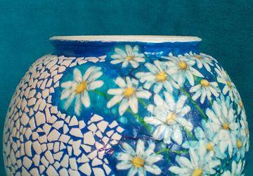 A blue round vase (decoupage)