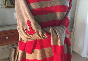Red oversized striped maxi sweater in red and beige in marine style with anchor