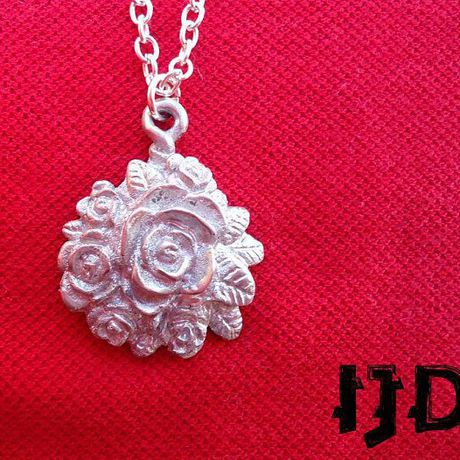 bouquet pendant rose gothic necklace jewelry metal