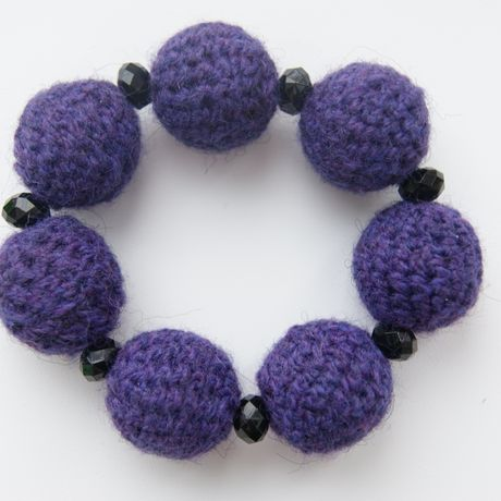 beads wristlet violet knitting accessories