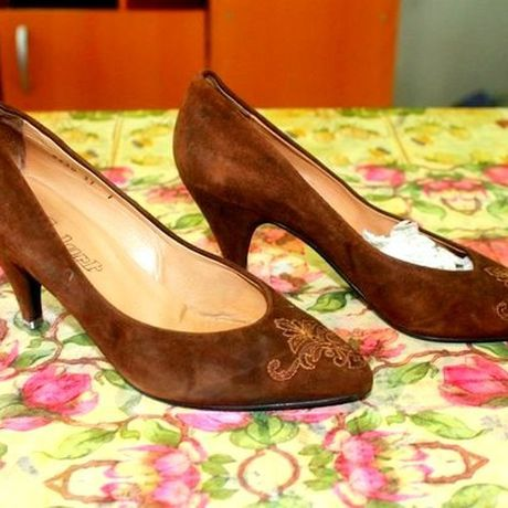 retro vintage beautiful court brown shoes black