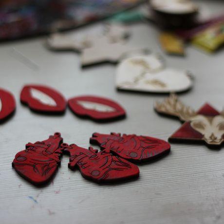 brooch wooden lips pin fashionwood