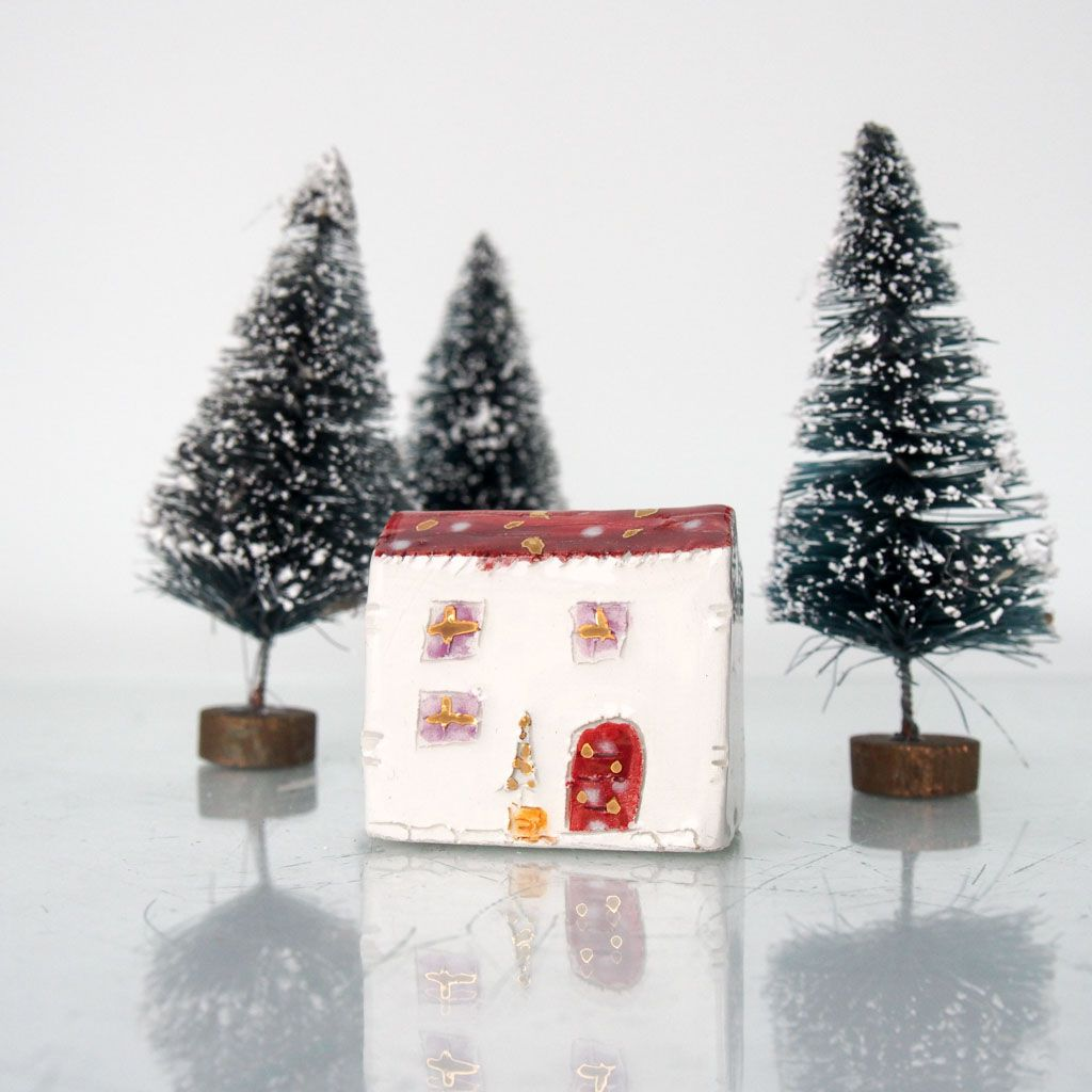 homedecor littlehouse christmashouse redhouse