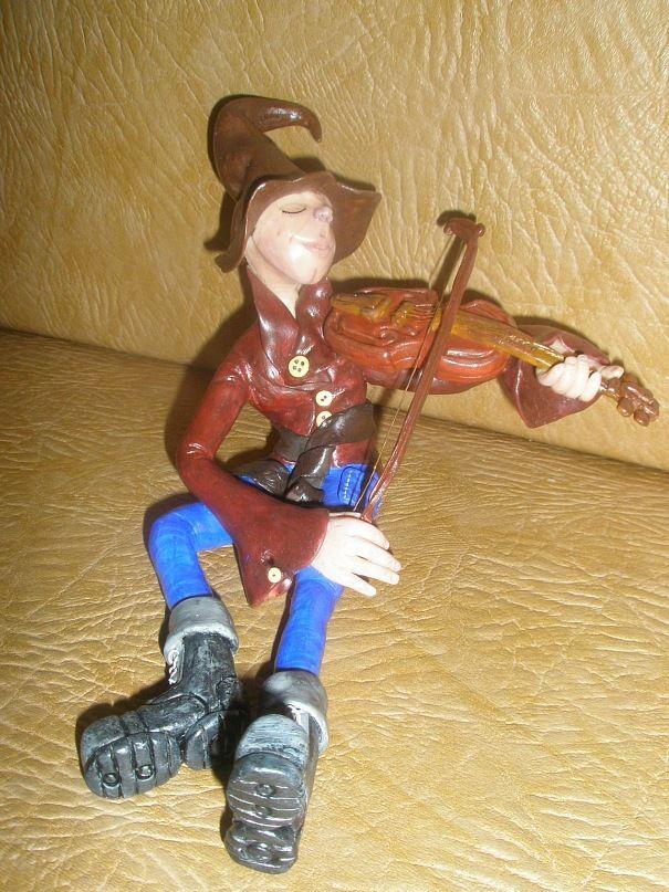 toy interior kids violinist