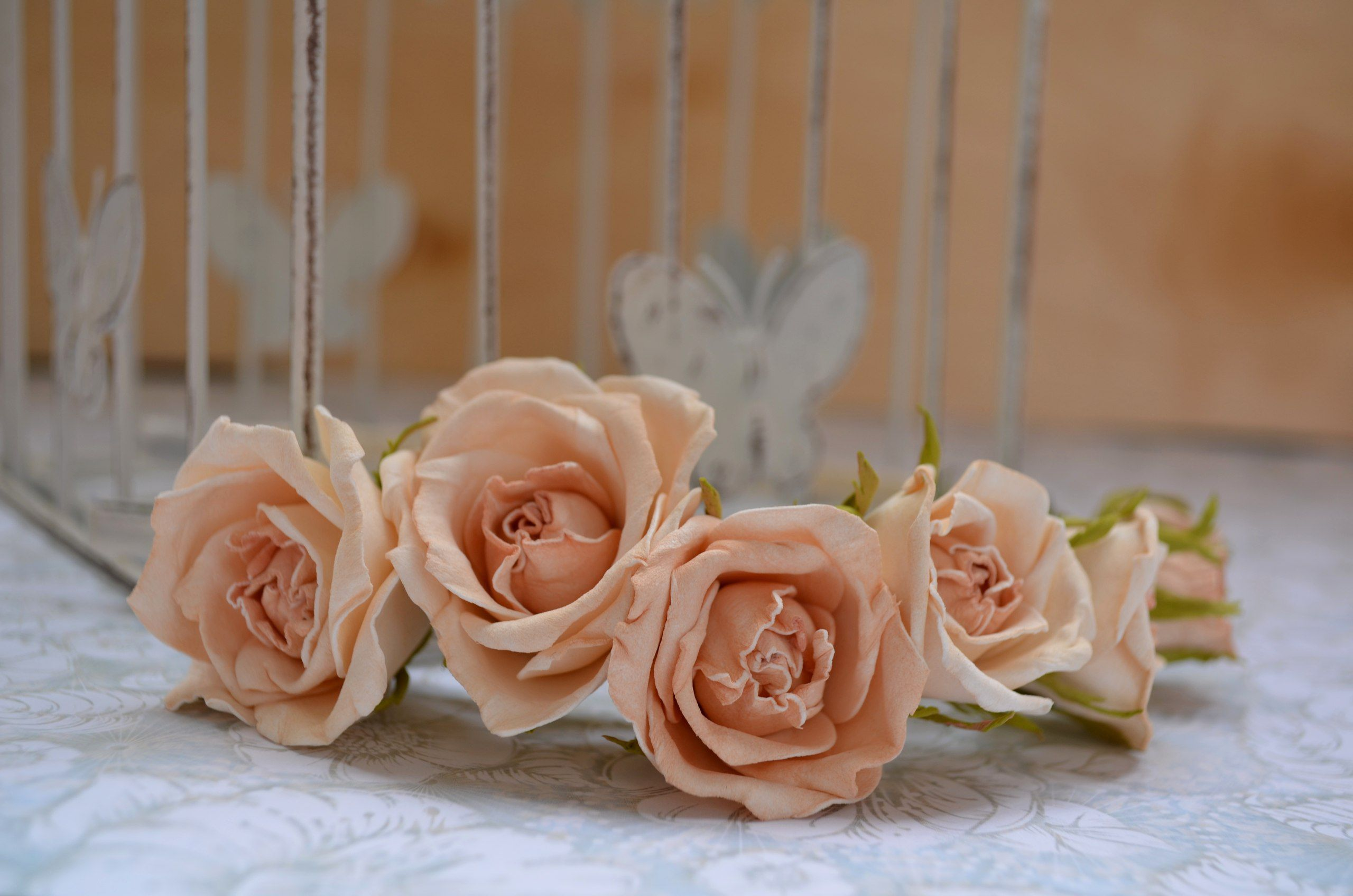 wedding flowers roses style composition ivory