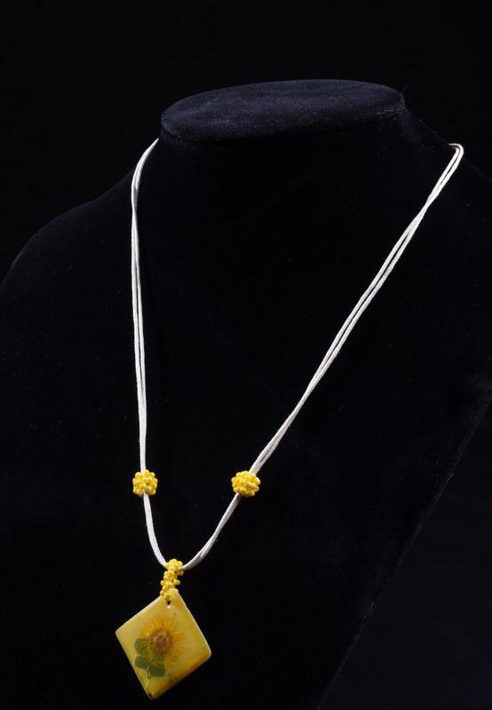 beads set pendant earrings sunny