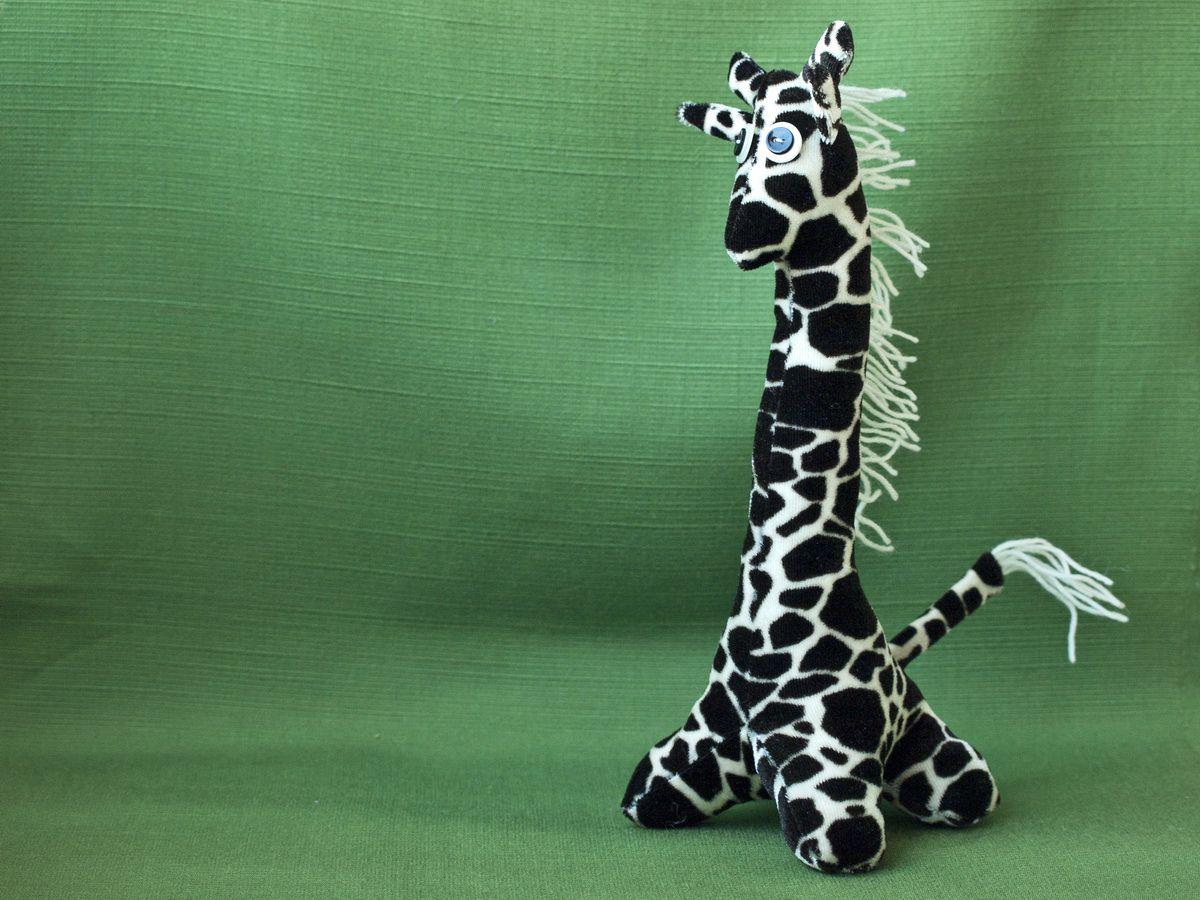 toy giraffe kids plush