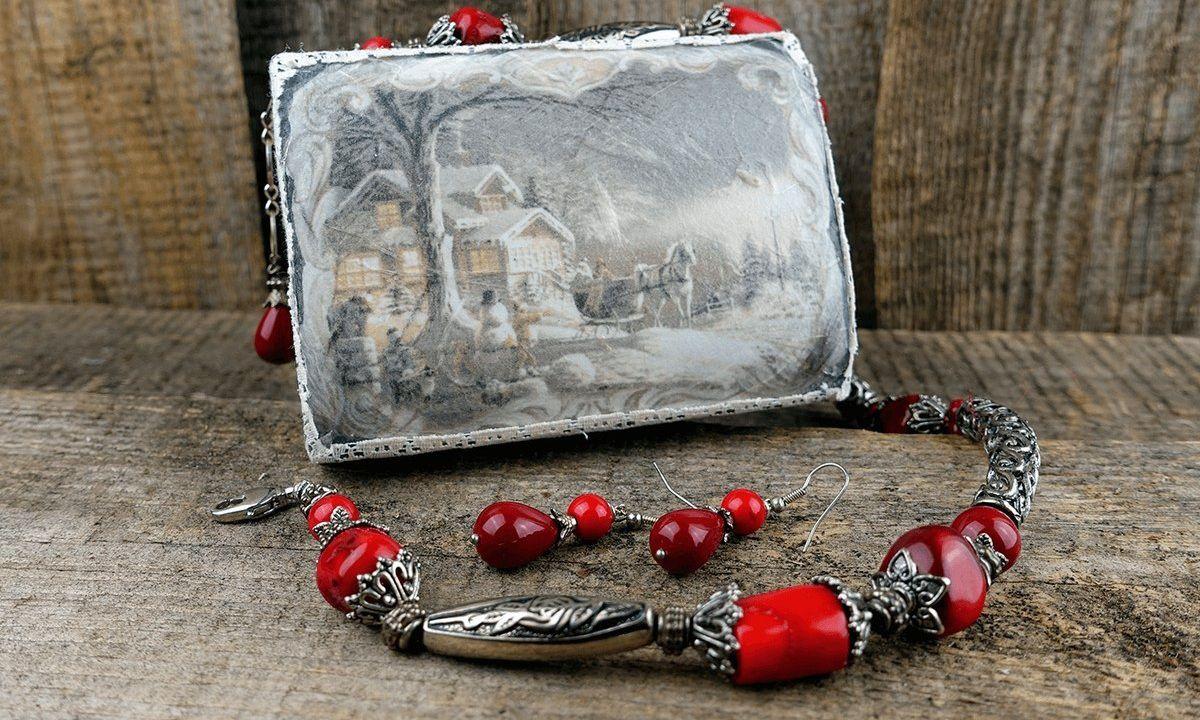 vintage handmade decoupage abbiglinewyear christmasgift jewelrybox diy inspiration creativeidea giftidea