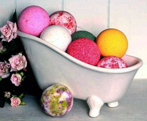 handmade creative gift homemade friends idea relax diy creativeidea bathbomb selfmade bath enjoy