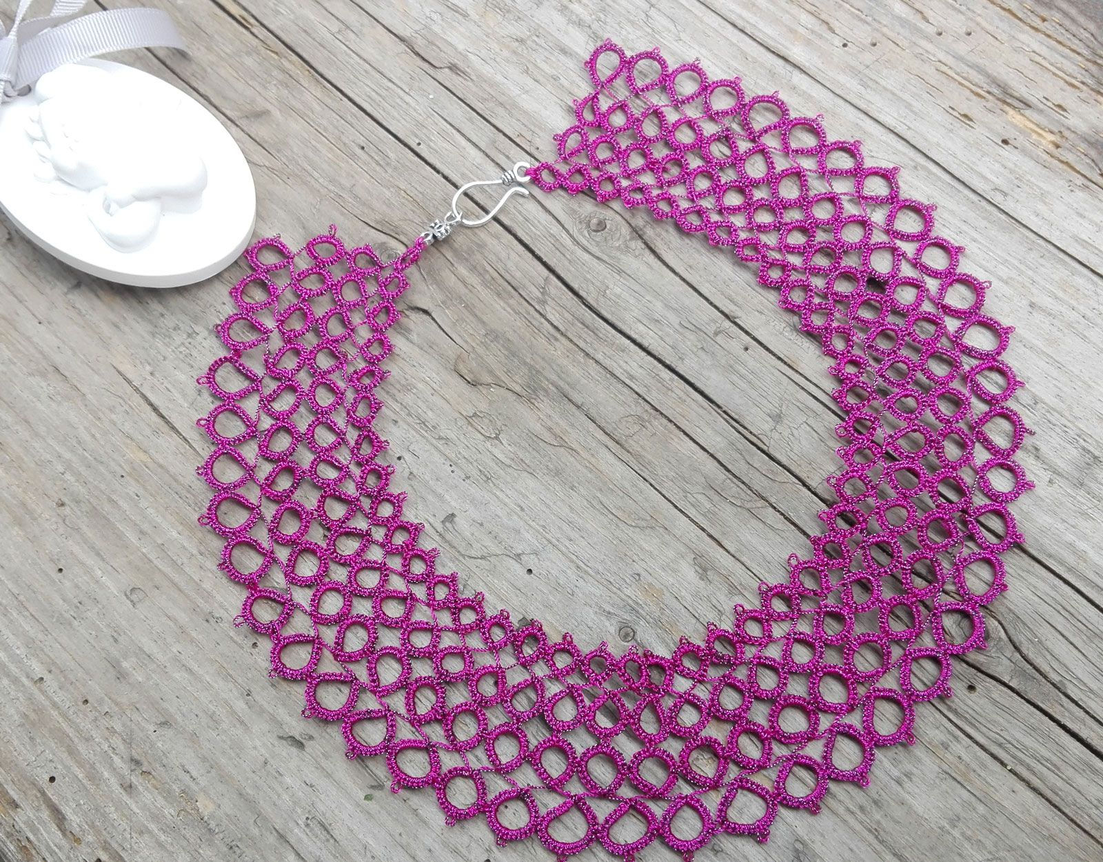 pink hotpink tattinglace frivolite necklace jewelry handmade tatting lace