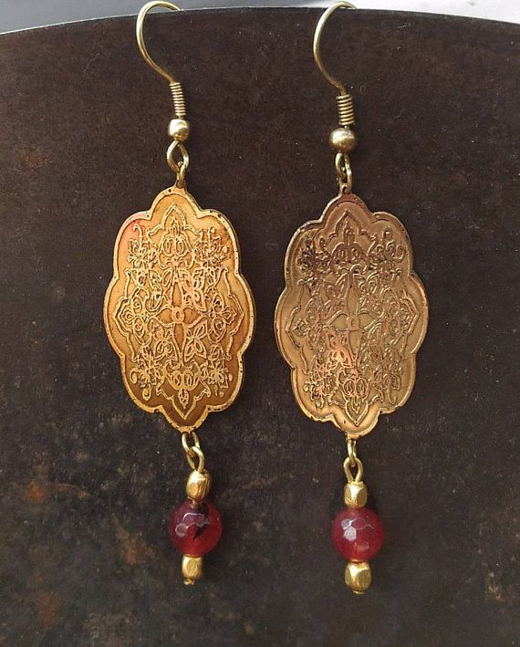 vintage earrings golden metal brass garnet