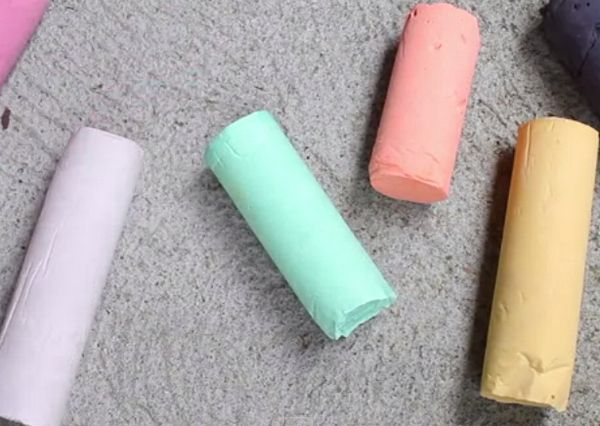 make homemade chalk color draw